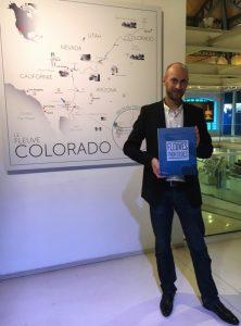 Franck Vogel, très fier de nous présenter son livre sur les fleuves frontière